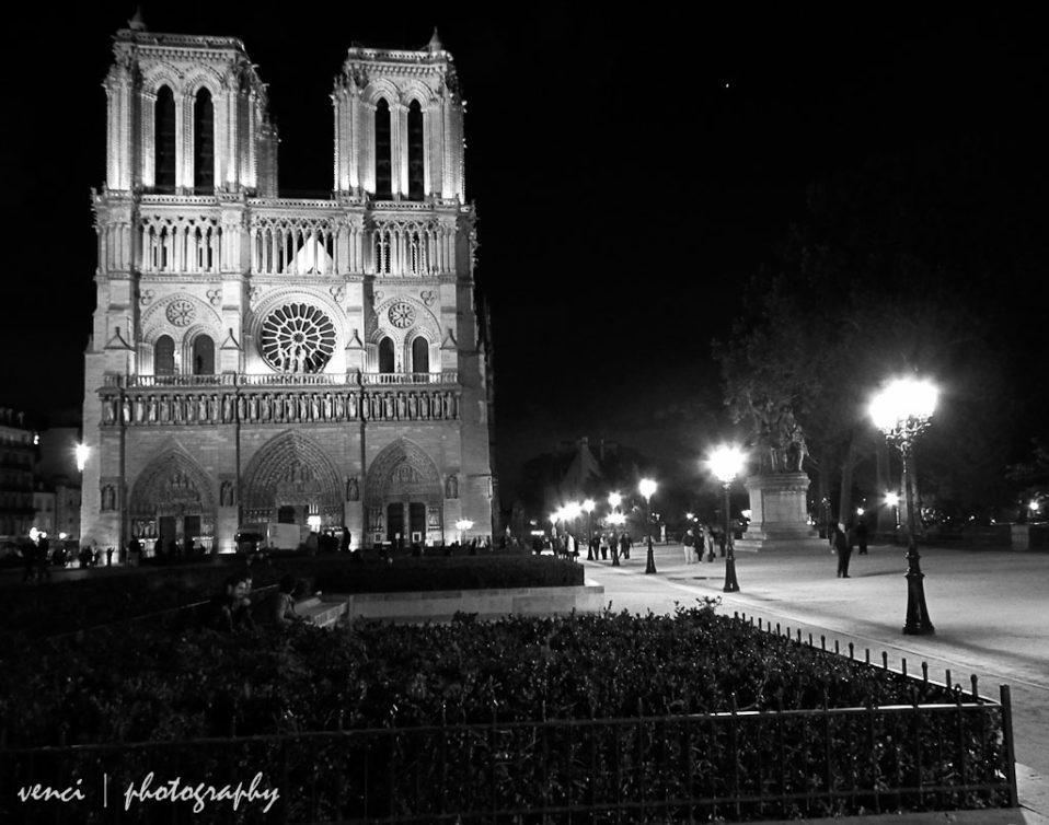 black and white, Notre-Dame de Paris